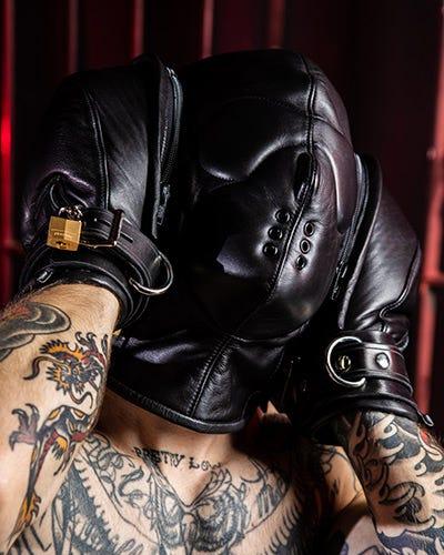 Bondage Hoods / Muzzles